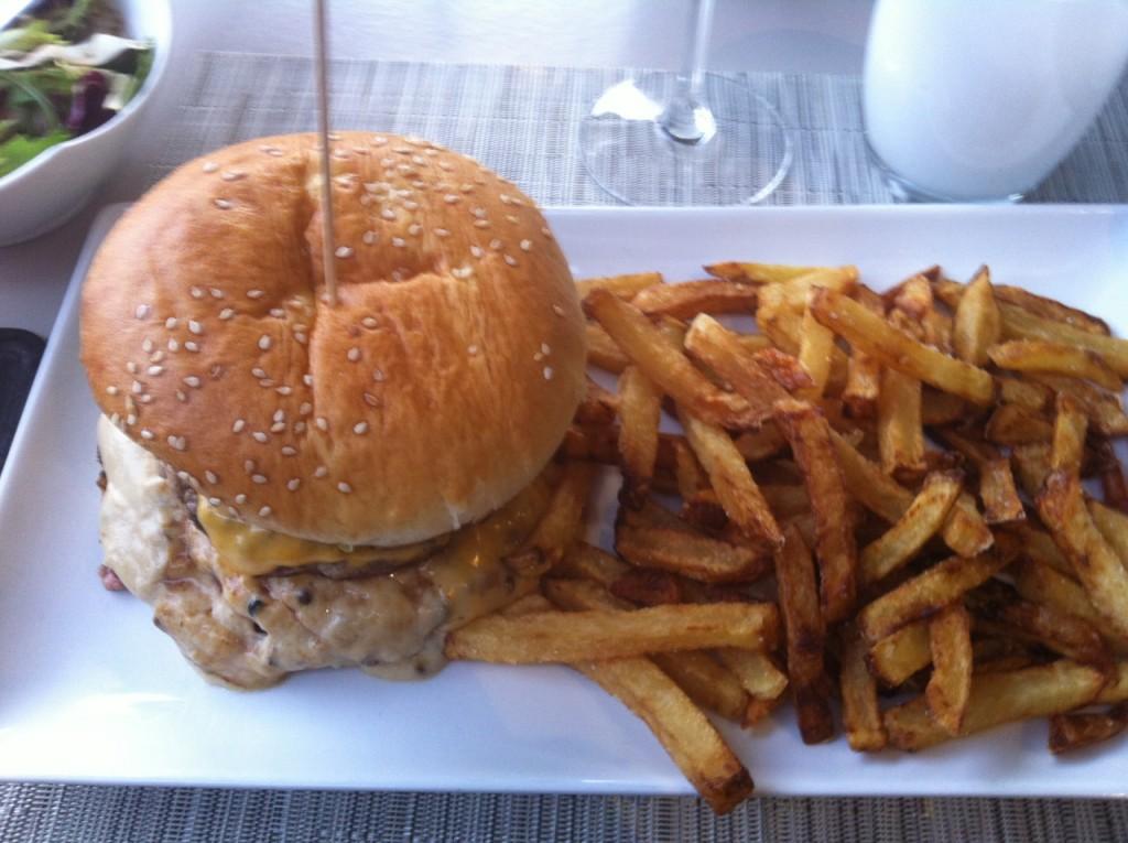 Le boulevard, à Pau - Blog un café avec Clémentine